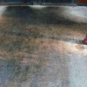 restaurant sidewalk pressure cleaning Grease & Grime Removal